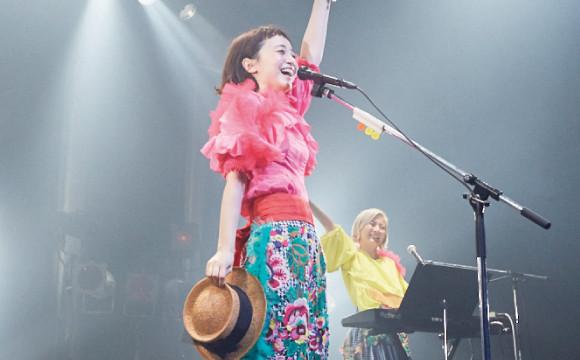 三戶夏芽首張專輯「夏芽旋律(Natsumelo)」發行,巡演第一站在東京・TSUTAYA O-EAST! 三戸夏芽、