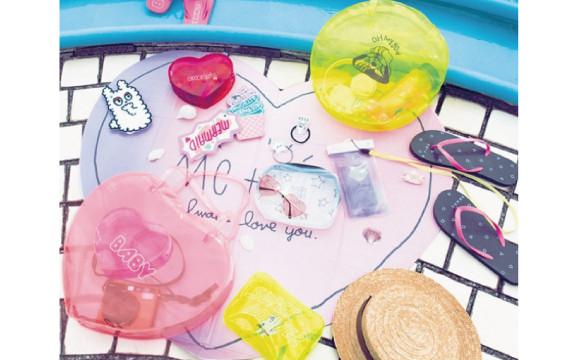 從心型太陽眼鏡到海灘拖鞋!夏天出外最適合的單品都在大創♡ 大創、