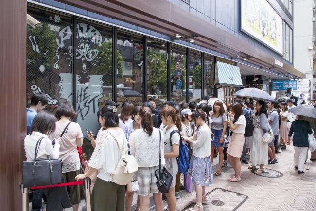 渋谷店の行列