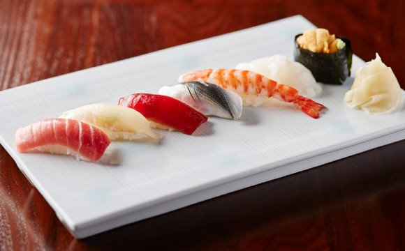 在深夜也能品嚐得到壽司&鐵板燒的美味 六本木的隱藏美食餐廳「atelier 森本 XEX」 壽司、