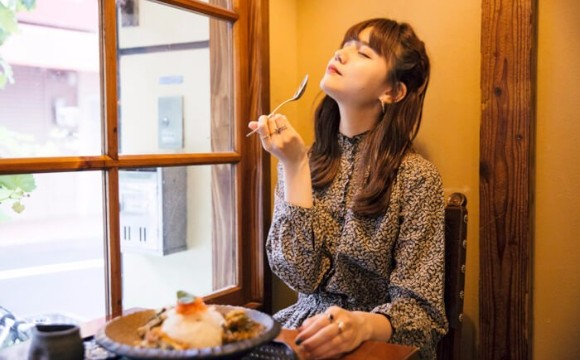 大阪的人氣咖哩名店「旧ヤム邸(舊yamu邸)」搬進東京都內。下北澤「舊yamu邸 下北莊」 咖哩、村田倫子、