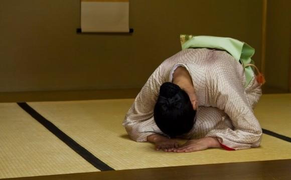 【TRAVELQ&A】為什麼在日本大家常常鞠躬呢?我們整理出打招呼的各種疑問! MMNQA、