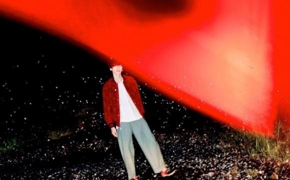 米津玄師、專輯新封面照公開!池田依來莎參與收錄曲目「fogbound」的拍攝 米津 玄師、