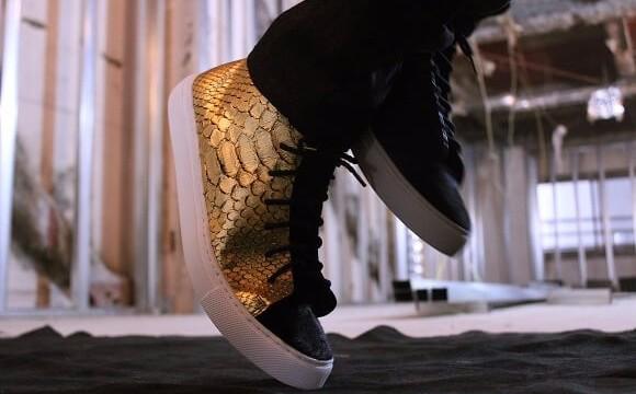 金澤發祥的會員制品牌「SIX ELEVEN ONE」 使用了跟金閣寺一樣的金箔做出的運動鞋登場 SIX ELEVEN ONE、在銀座、運動鞋、
