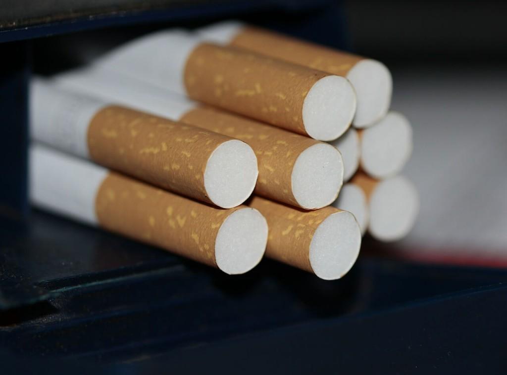 cigarettes-383327_1280