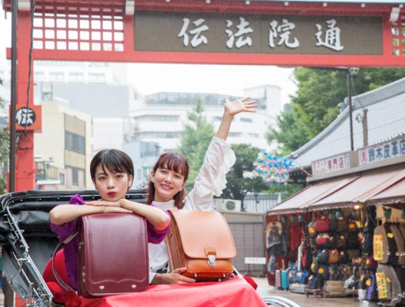 【東京散步】在雷門搭乘人力車,在仲見世享受邊走邊吃的樂趣 淺草觀光 東京散步、淺草、矢部優奈、觀光、