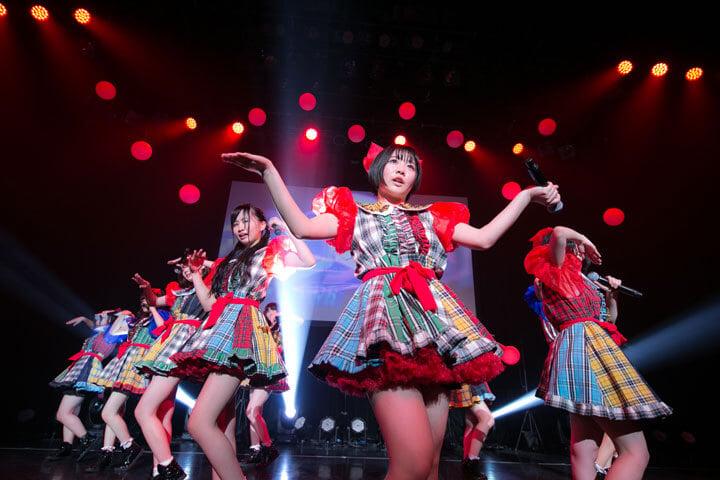 彩虹征服者於單獨演唱會中發表成員將兼任電波組之消息 彩虹征服者、