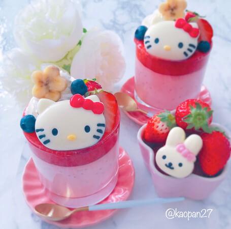 """超簡單的""""角色甜點""""食譜大公開!""""Kitty草莓慕斯"""" 甜點、"""