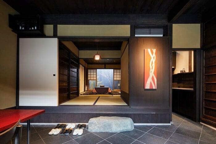 明治時代の遊郭跡地を改装!宿泊施設「京都漆楼わかさや」