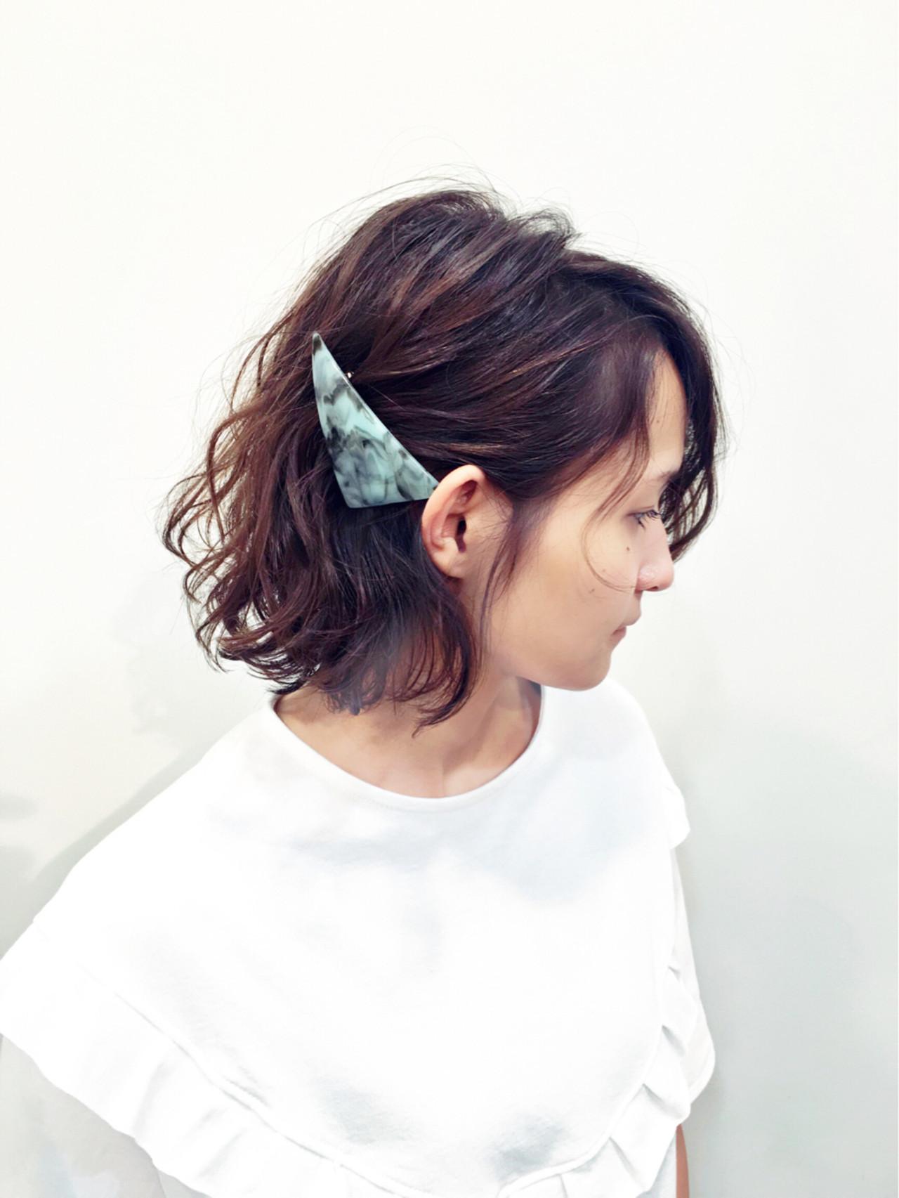 塞耳後休閒短髮