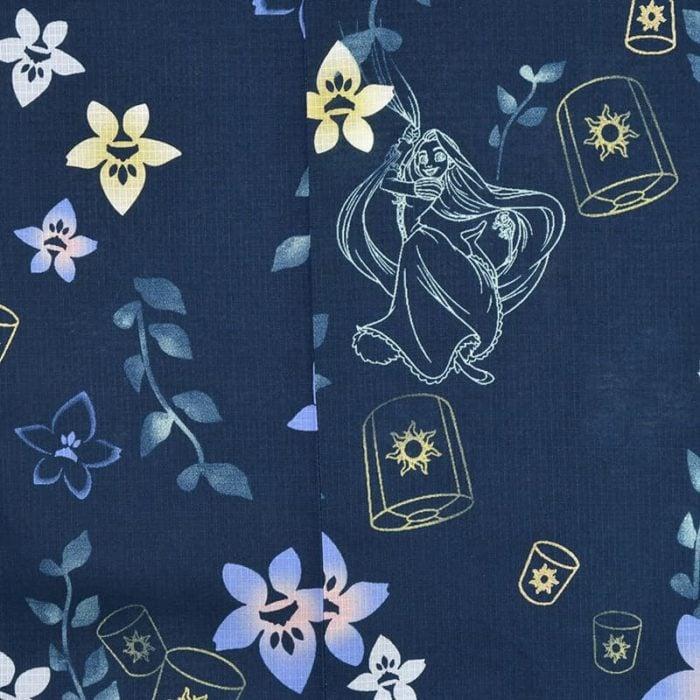 日本迪士尼網路商店浴衣特輯公主系列浴衣長髮公主深藍色桔梗浴衣圖案近照