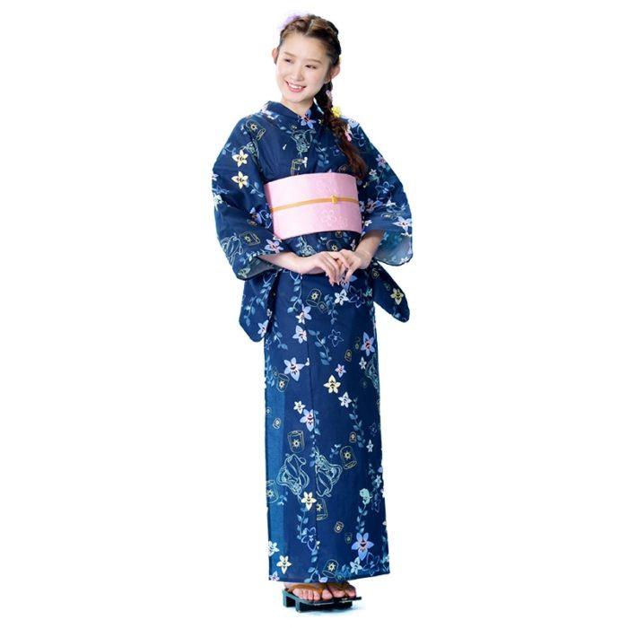 日本迪士尼網路商店浴衣特輯公主系列浴衣長髮公主深藍色桔梗浴衣模特兒照