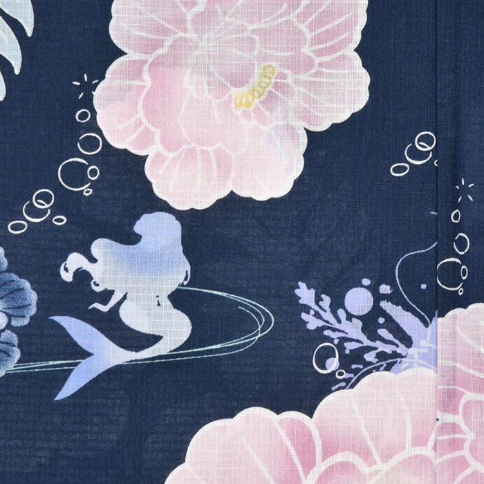 日本迪士尼網路商店浴衣特輯公主系列浴衣小美人魚藍色牡丹浴衣圖案近照