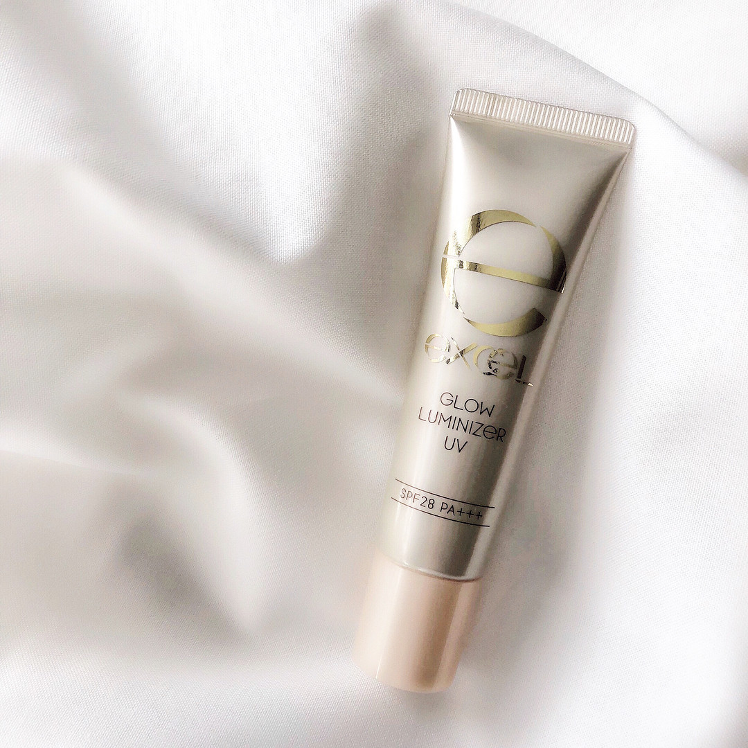 用在想營造出亮澤的部分♪EXCEL 光澤肌妝前乳(GLOW LUMINIZER) lucky02181014