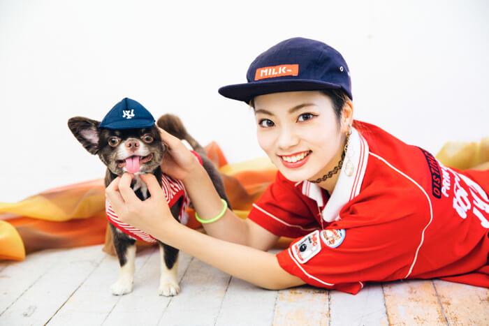 【東京散步】帶著愛犬mozuku一起踏上商店&景點巡禮之旅 #4 替mozuku戴上狗狗專用頭飾,一起拍下可愛照片吧! 東京散步、矢部優奈、