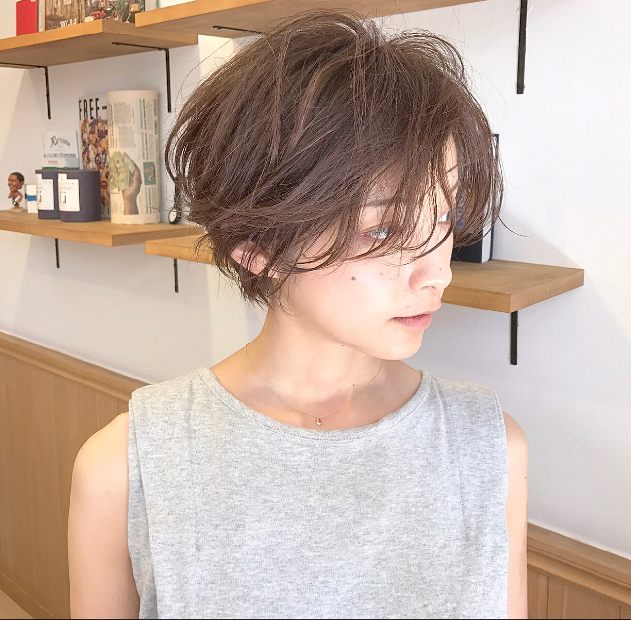 長瀏海的短髮造型