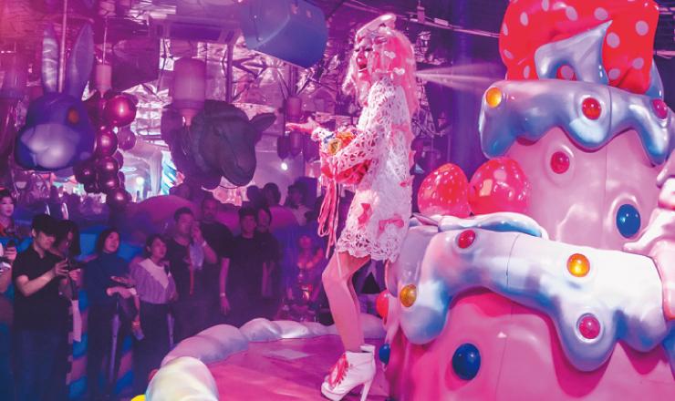 原宿「KAWAII MONSTER CAFE」推出增添夜晚色彩的全新表演登場 咖啡廳、在原宿、