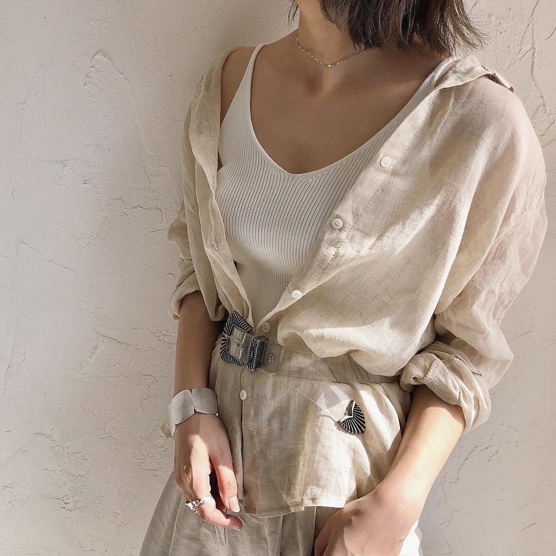 米白色襯衫穿出率性自然