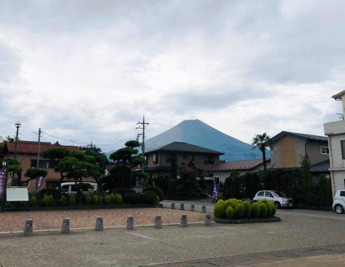 下吉田車站對面