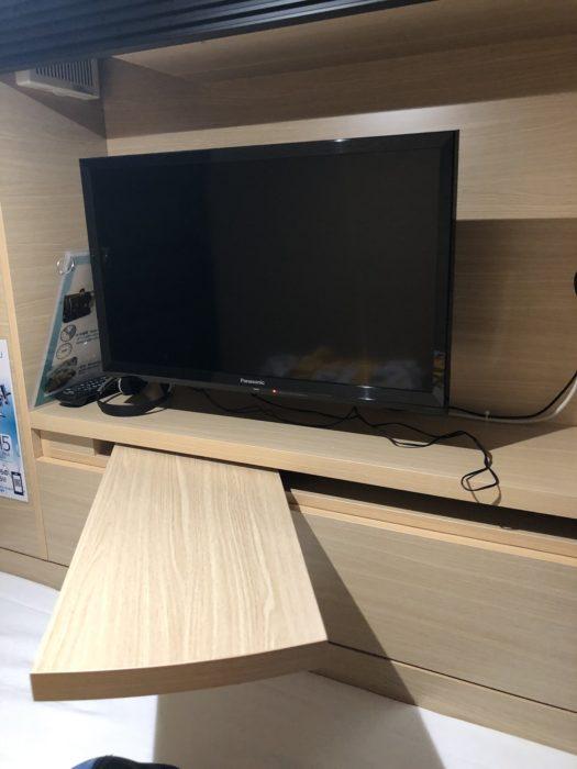 smart stay SHIZUKU京都駅前 kyoto ekimae 雫井膠囊旅館電視與工作桌