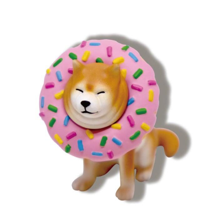 卡在甜甜圈中的柴柴