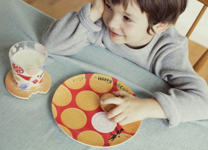 小朋友使用森永餅乾雜貨更可愛