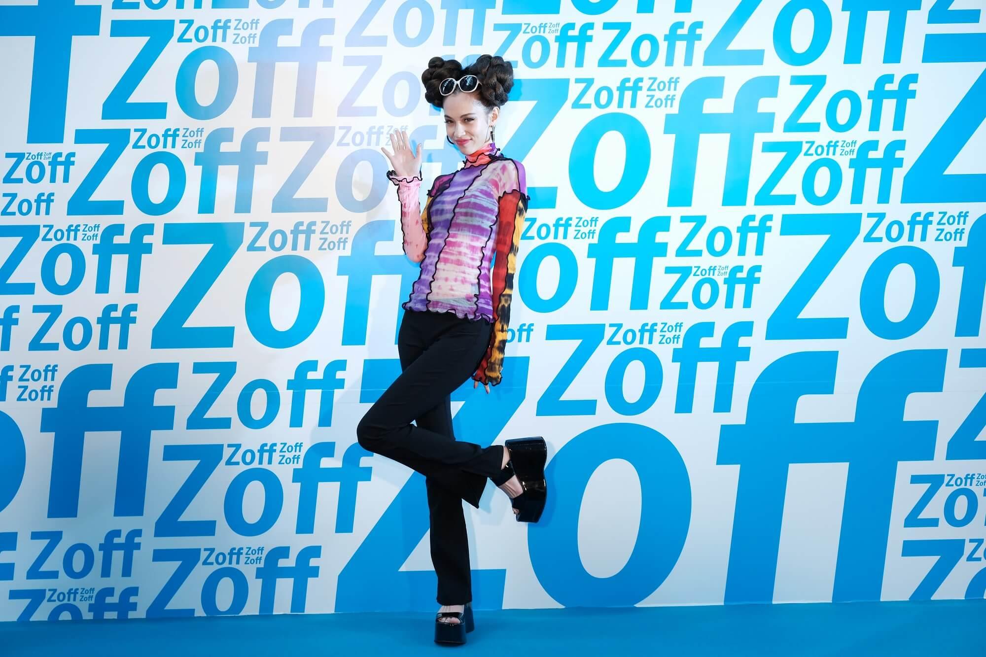 水原希子出席香港・旺角開幕的「Zoff」記念活動!