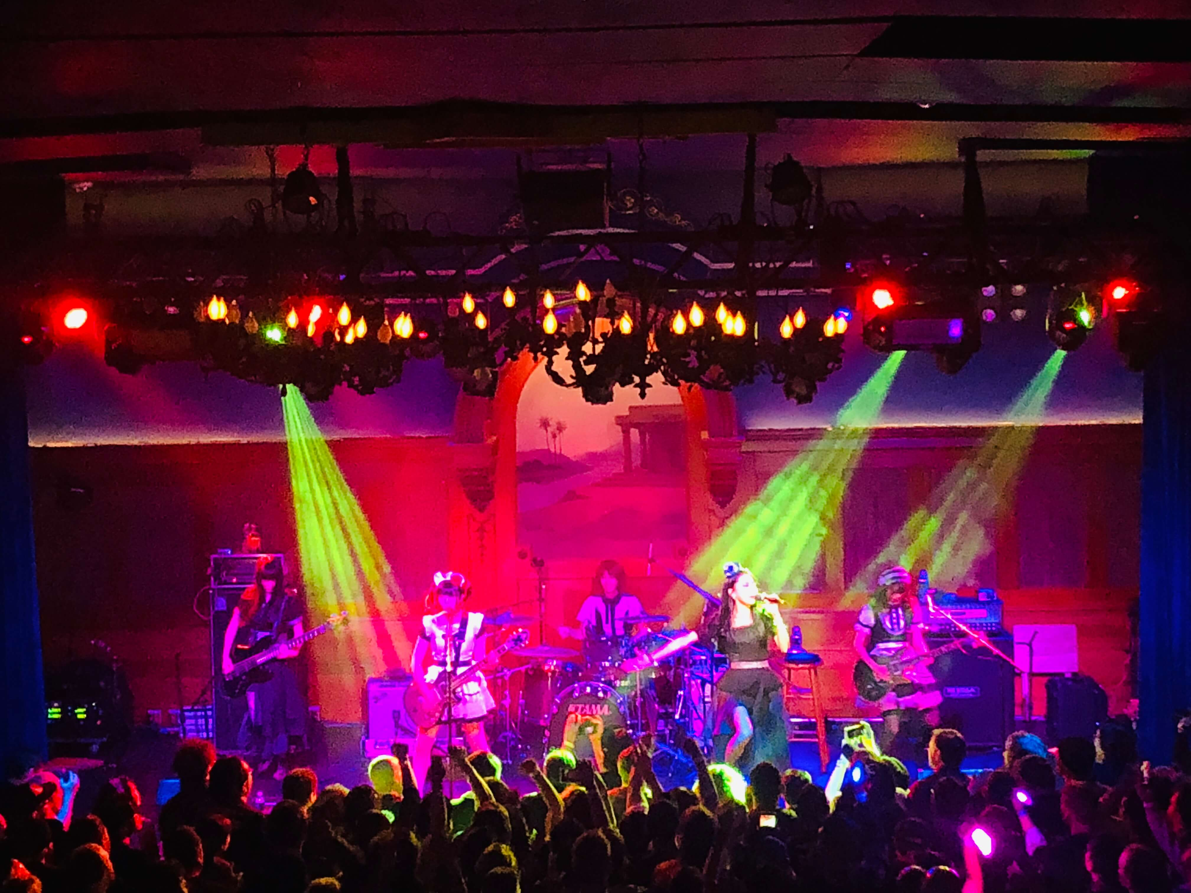 BAND-MAID、首次的美國one-man live大狂熱!也發表了新單曲 BAND-MAID_、