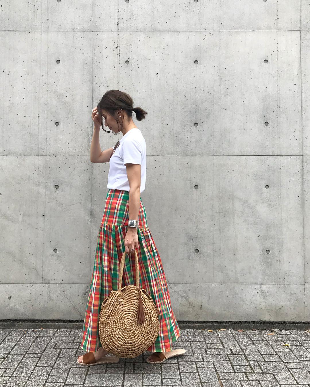利用格子裙打造大人可愛休閒穿搭 yu.rm