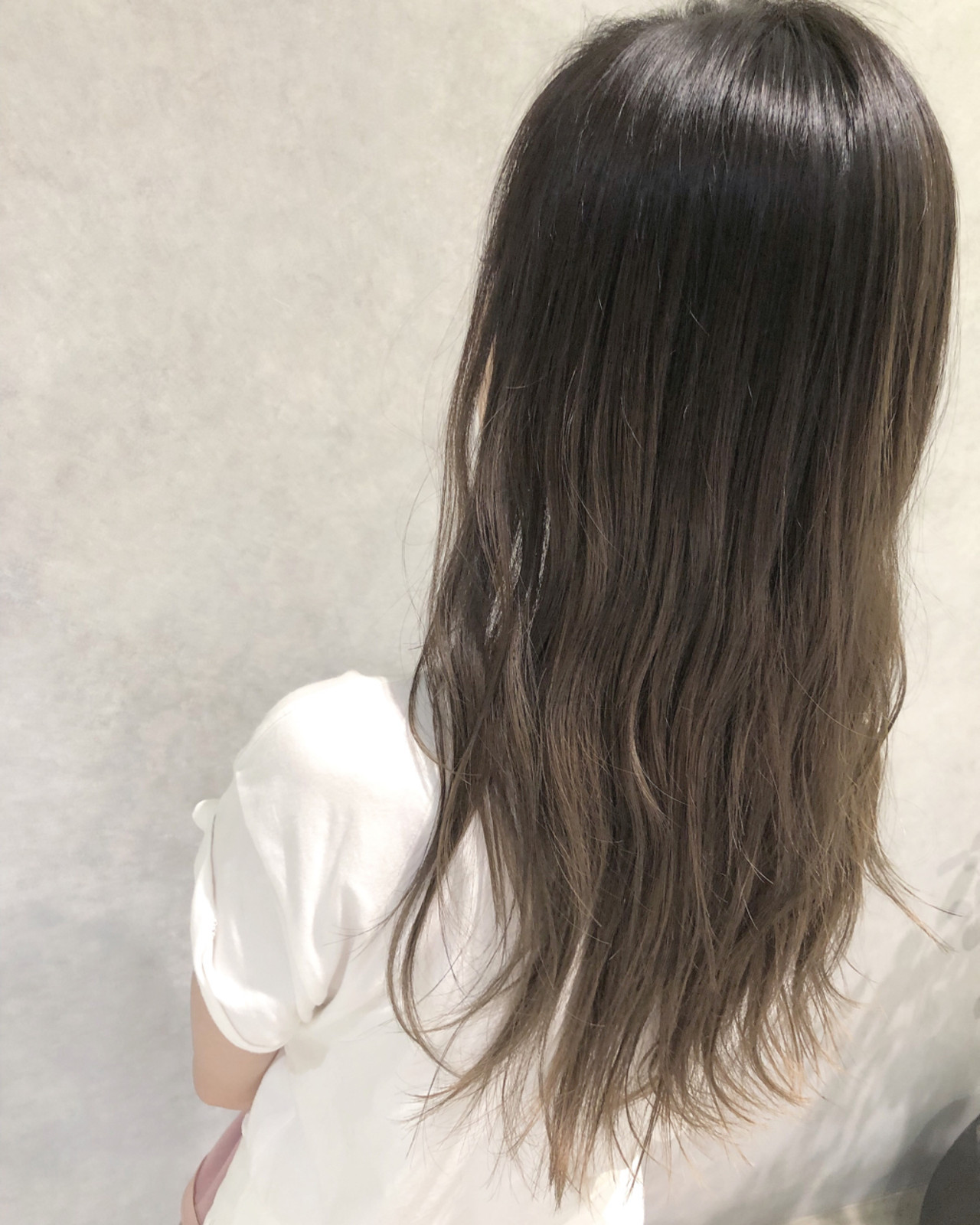 連髮梢都有光澤!秋冬的輕盈奶茶駝 山本航大