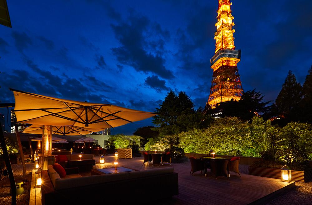 在可以看見東京鐵塔的露台座位 享受巧克力鍋~ 東京鐵塔、餐廳、