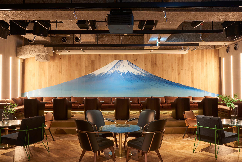 """由錢湯畫家繪畫的富士在主樓層! 銀座""""PLUSTOKYO""""享受的藝術和美食 在銀座、"""