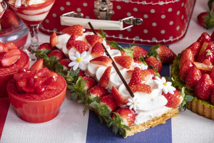 草莓聖多諾黑泡芙
