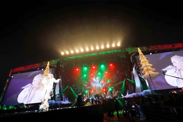 彩虹樂團首次聖誕公演動員11萬人! L'Arc~en~Ciel_、