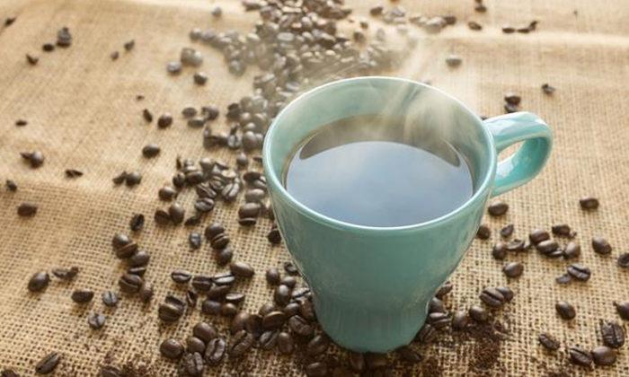 熱騰騰的咖啡