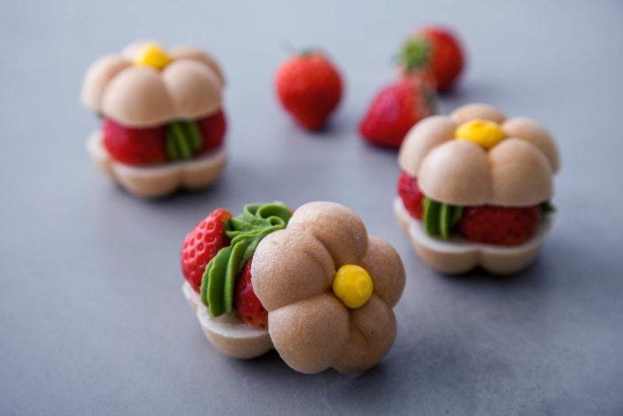 草莓花朵最中