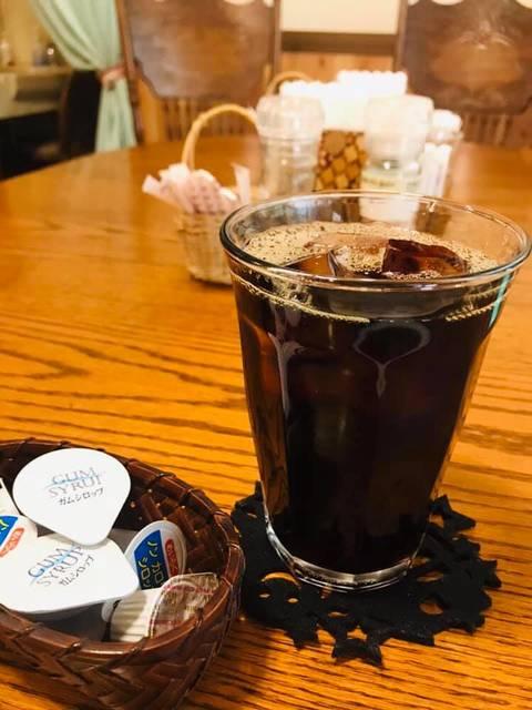 吃飽飯來杯咖啡吧